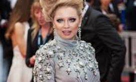 این بازیگر زن با مدل موهای عجیبش سوژه عکاسان کن شد! + تصاویر