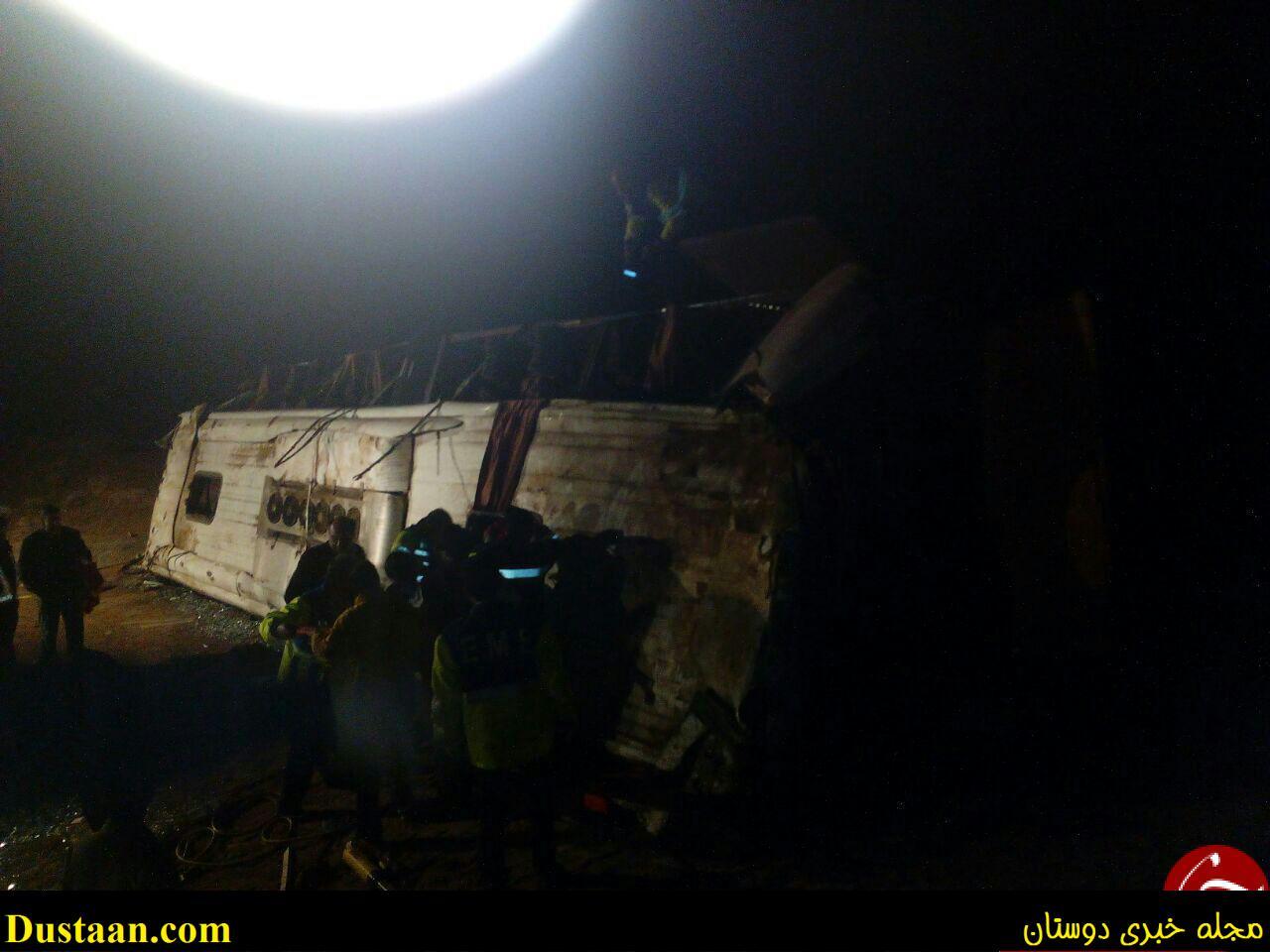 واژگونی اتوبوس در جاده فردوس، ۲۱ کشته و زخمی برجا گذاشت +تصاویر