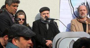 تصویری از همسر مرحوم جوهرچی در مراسم تشییع