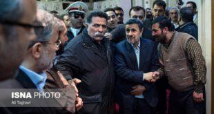 عکس: احمدی نژاد در مراسم چهلم شهدای آتش نشان