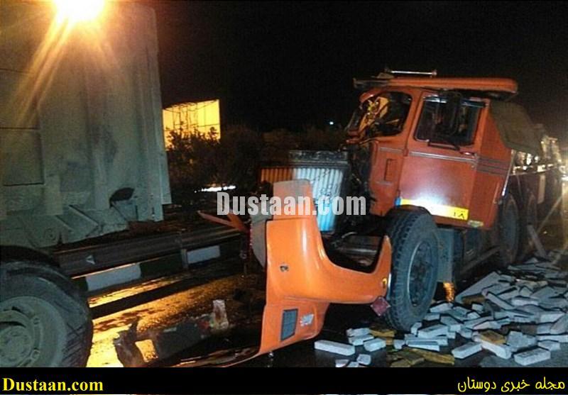 تصادف شدید دو دستگاه خودروی سنگین در جاده خاوران +عکس