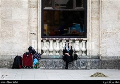 www.dustaan.com تصاویر: مسافران نوروزی در راه آهن تهران