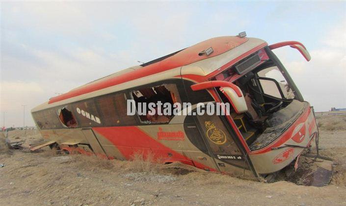 www.dustaan.com یک کشته و 8 مصدوم در پی سقوط اتوبوس به دره