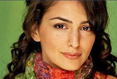 www.dustaan.com پشت پرده رابطه بازیگر ایرانی تبار با «تام کروز» + عکس