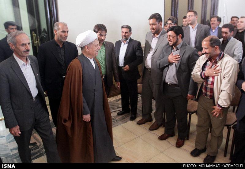 www.dustaan.com دیدار جمعی از مردم استان فارس و شهرستان بم با آیتالله هاشمی