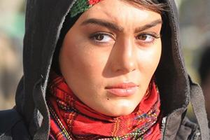www.dustaan.com تیپ جدید سحر قریشی در افتتاحیه فیلم «نازنین» + تصاویر