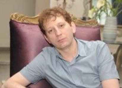 www.dustaan.com بایکوت خبری تاجر میلیاردر پرحاشیه