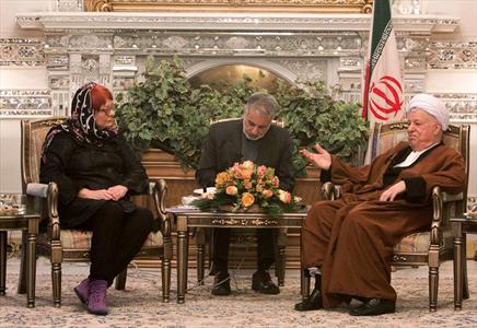 www.dustaan.com بی احترامی رئیس هیات اروپایی به هاشمی رفسنجانی +فیلم