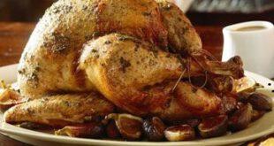 بوقلمون بریانی شکم پر با انجیر و سیب زمینی، شام شب کریسمس