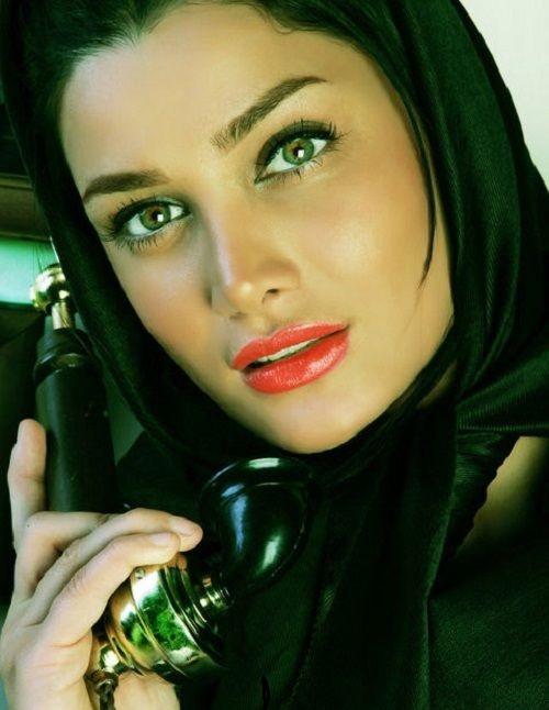 www.dustaan.com عکس بدون آرایش تینا آخوندتبار در منزلش!