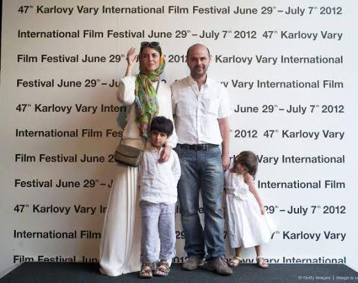 www.dustaan.com عکسی جدید از لیلا حاتمی و خانوادهاش