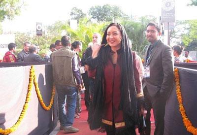 www.dustaan.com عکسهای نیکی کریمی در جشنواره فیلم هند