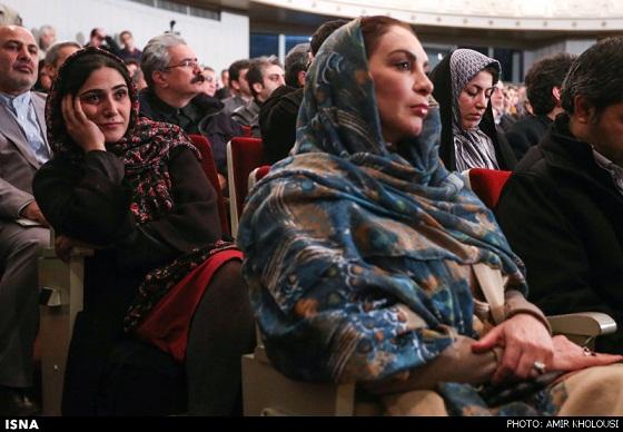 www.dustaan.com پوشش ناپسند خانم بازیگر /عکس