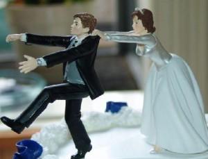 www.dustaan.com شوخی های زشتی که آقایان با خانم ها می کنند