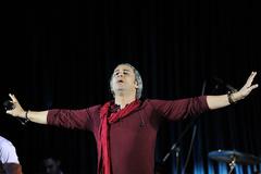www.dustaan.com ماجرای لغو کنسرت مازیار فلاحی در اصفهان