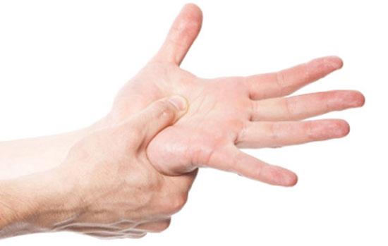 www.dustaan.com دلایل خواب رفتن دست ها و پاها چیست؟