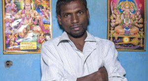 مرد هندی که همانند حیوانات دمی از مو دارد!