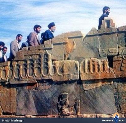 www.dustaan.com تصویری از مقام معظم رهبری در تخت جمشید