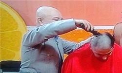 www.dustaan.com مجری معروف در برنامه زنده تلوزیونی برای همدردی با کودک بیمار سر خود را تراشید.