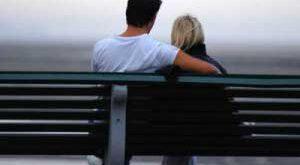 از ابراز علاقه به همسرتان غفلت نکنید!