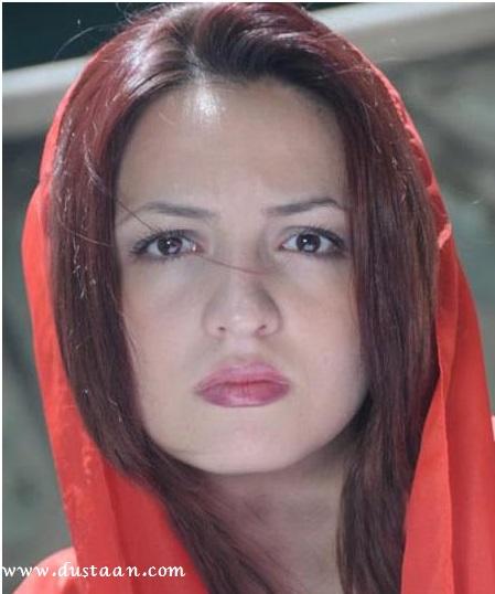 گلاره عباسی در اردیبهشت ماه ۱۳۶۷ در تهران به دنیا امده است