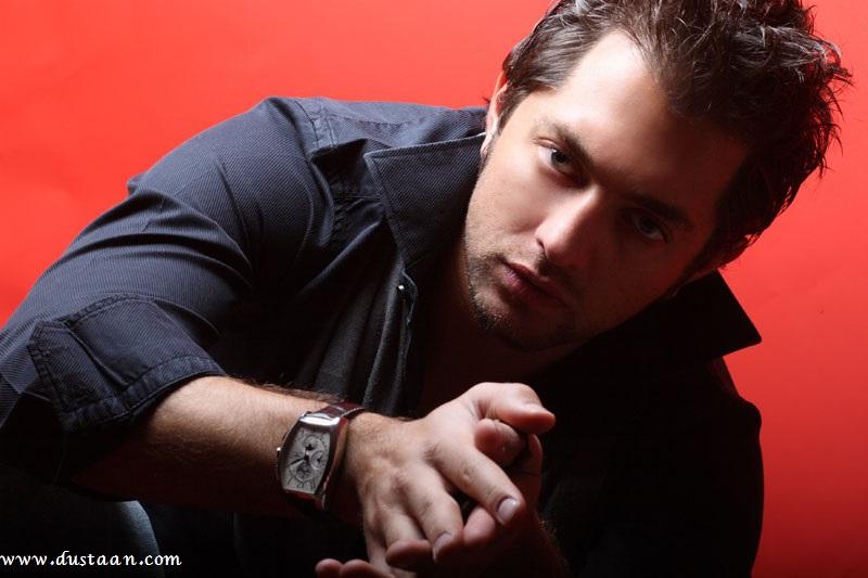 بهرام رادان خواننده , بازیگر و مدل ایرانی در ۸ اردیبهشت1358 به دنیا امده است