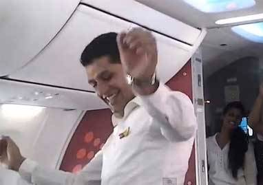 کار احمقانه و خطرناک دو خلبان باعث اخراجشان شد! +تصویر