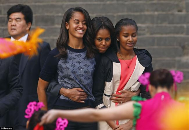 www.dustaan.com تصاویری از خوش گذرانی خانواده آقای رئیس جمهور در چین!