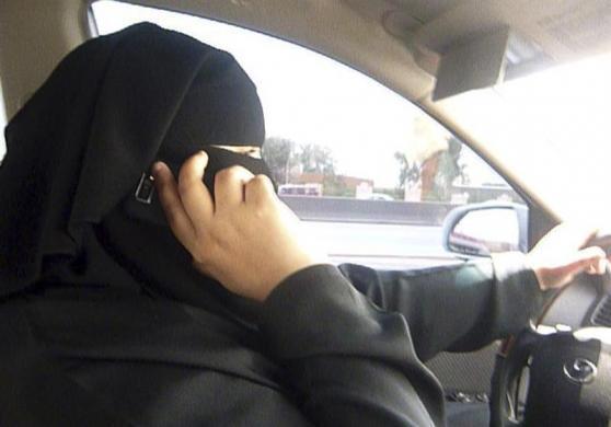 www.dustaan.com حرکت بی سابقه و شجاعانه زنان در عربستان!