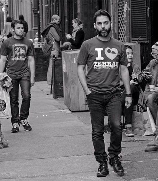www.dustaan.com کار بسیار جالب بازیگر معروف ایرانی در خیابانهای نیویورک/ تصویر