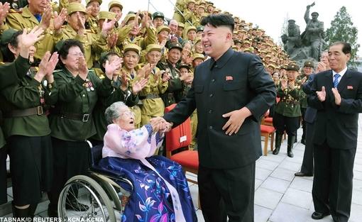 در حاشیه جشن شصت سالگی آتش بس فیمابین کره جنوبی و شمالی