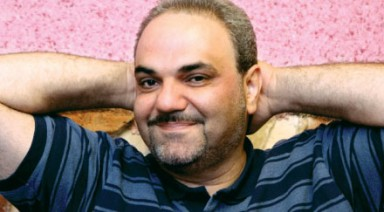 www.dustaan.com شاهکاری جدید از جواد خیابانی در گزارش بازی دیشب سپاهان!