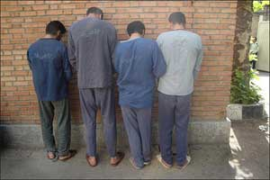 www.dustaan.com تجاوز 4 مرد به زن شوهر دار به بهانه پیش فروش خانه در ورامین