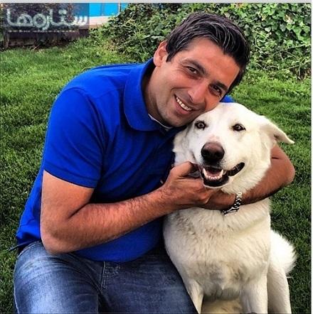 www.dustaan.com بازیگر بسیار معروف تلوزیون به همراه سگ خانگی اش