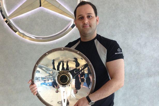 www.dustaan.com یک جوان ایرانی که شرکت «مرسدس بنز» را دگرگون کرد!