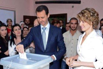 www.dustaan.com خوشحالی بی وصف سوری ها از پیروزی بشار اسد در انتخابات +عکس