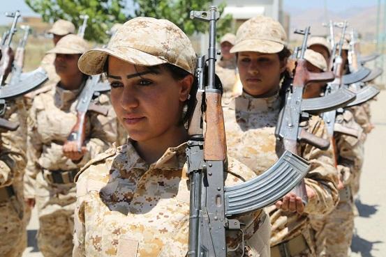 www.dustaan.com تصاویر زنان جوان کرد عراقی در حال اموزش برای مبارزه با داعش