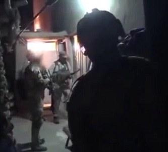 www.dustaan.com اقدام بی شرمانه داعش با سر بریده سرباز عراقی +تصاویر