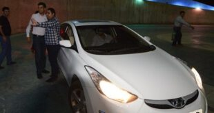 عکس/ ماشین لوکس و گران قیمت عادل فردوسی پور در استادیوم