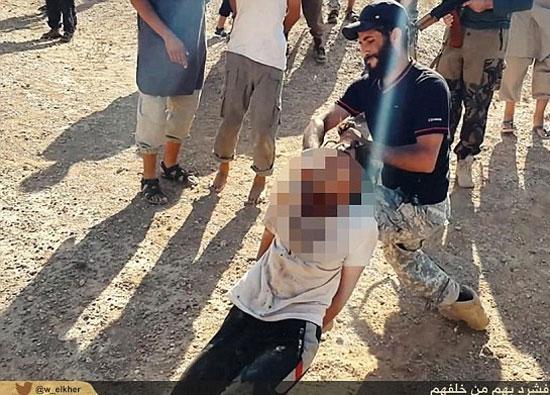 فیلمبرداری داعش از بریدن سر مردان و تجاوز به همسرانشان +تصاویر