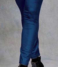 www.dustaan.com عوارض پوشیدن ساپورت برای دختران