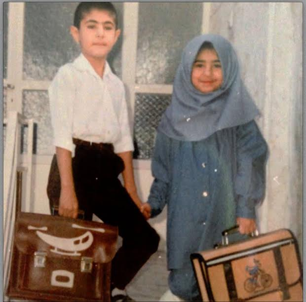 www.dustaan.com عکسی از اولین روز مدرسه خواننده پاپ محمد علیزاده و خواهرش