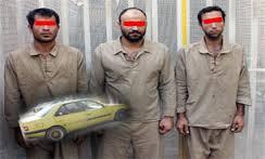 www.dustaan.com آزار و اذیت وحشیانه زن جوان در جاده تلو توسط سه مرد شیطان صفت