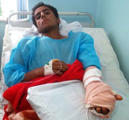 www.dustaan.com عکس/ تنبیه یک دانش آموز با لوله پولیکا در گناوه!