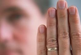 www.dustaan.com اندازه انگشت دست راست، شاخص اندازه بیضه و میزان باروری مردان!