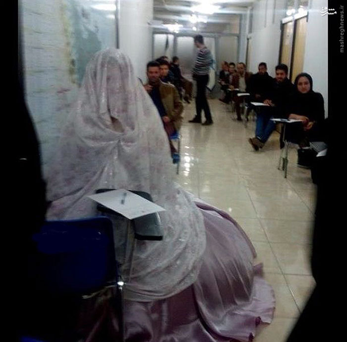 www.dustaan.com عکس/ حضور در جلسه امتحان با لباس عروس!