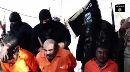 www.dustaan.com تصاویری از ذبح 3 مرد اهل سنت توسط داعش (18+)
