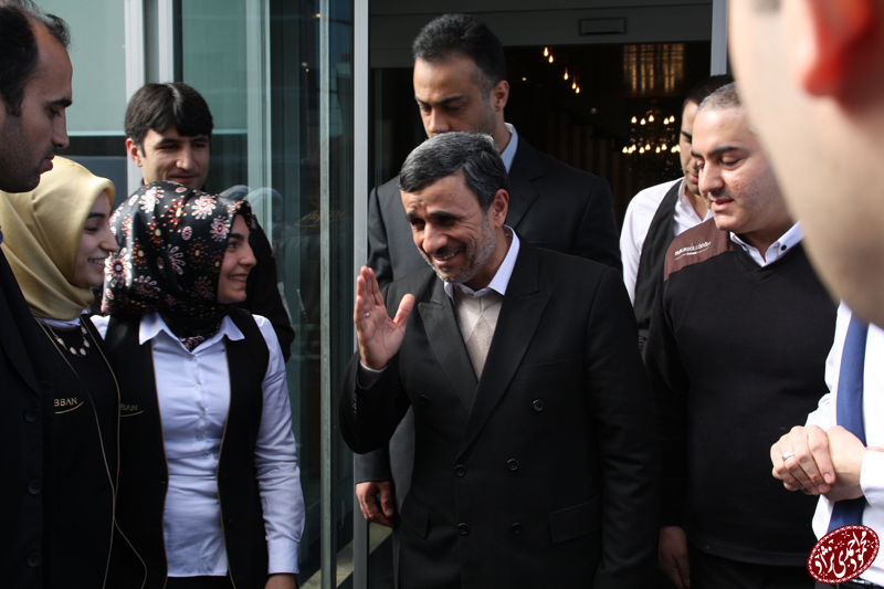 www.dustaan.com تصاویر/ استقبال از احمدی نژاد در ترکیه