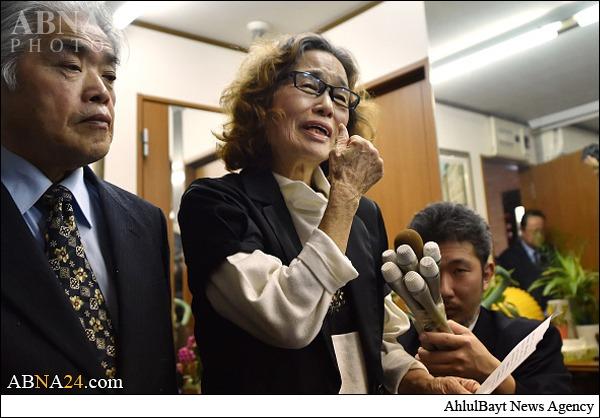 www.dustaan.com تصاویر/ واکنش مادر ژاپنی به بریده شدن سر فرزندش به دست داعش
