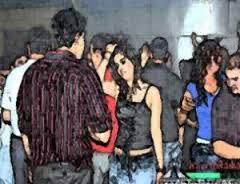 www.dustaan.com دستگیری ۱۵۰ دختر و پسر در یک پارتی شبانه در تهران